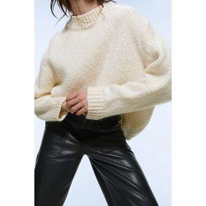 Zara Women's Beige Ivory Oversized Knit Pullover Sweater